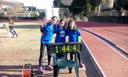 Staffetta 3x200 metri Esordienti A con Ludovica, Carlotta e Giulia