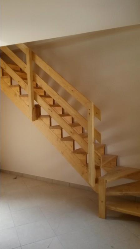 Realizzazione scale in legno del legno falegnameria for Tappeti per scale in legno